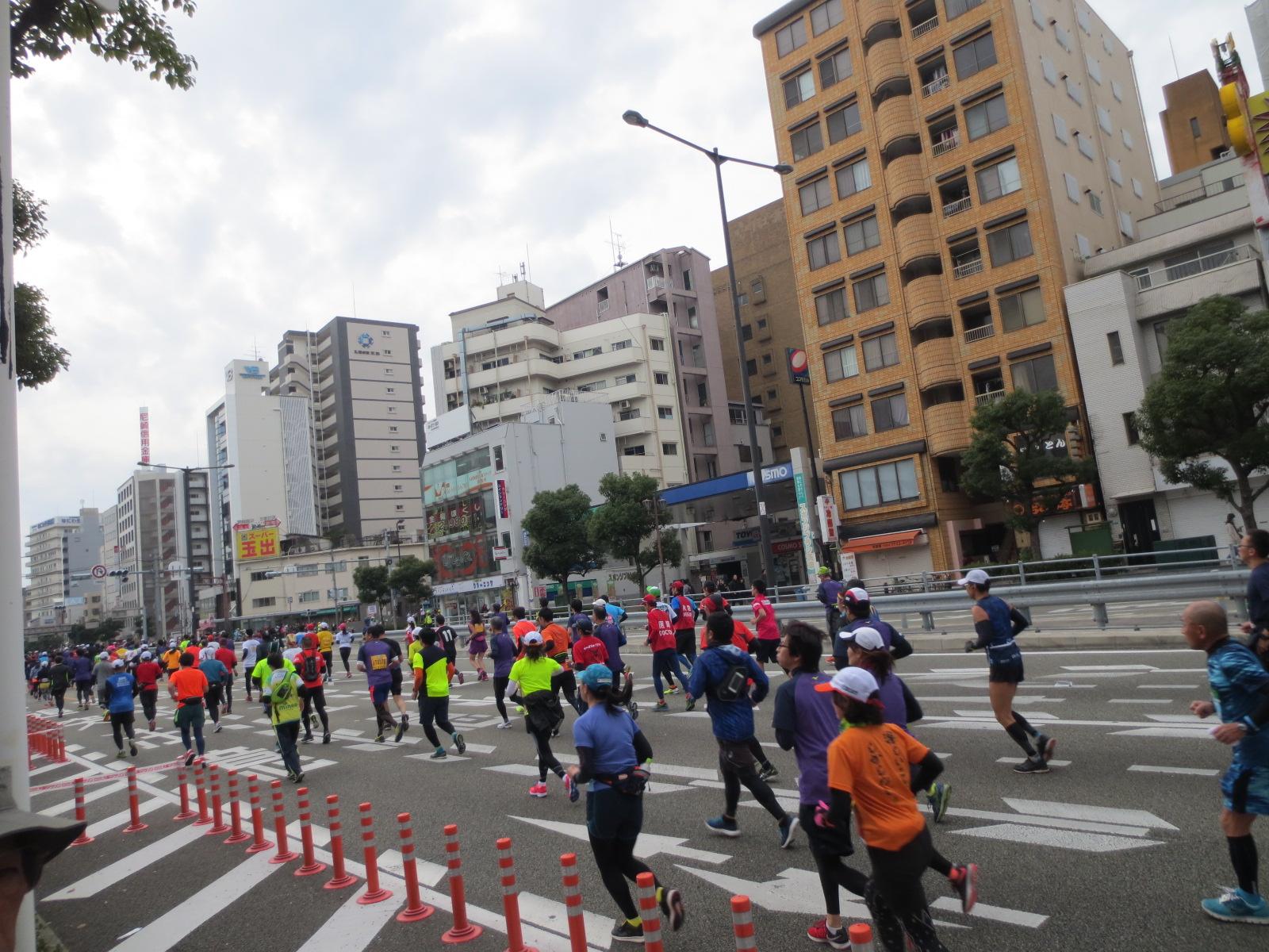 大阪マラソン:大国町付近