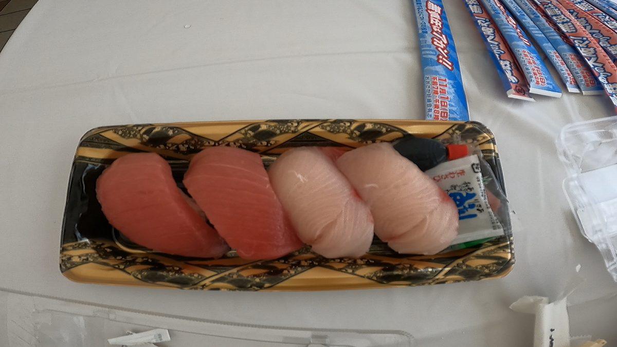 道頓堀リバーフェスティバル:お寿司1